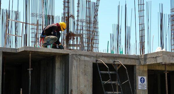 Bauzeitverzögerungen   JuS Rechtsanwälte   Immobilienrecht  . Strafrecht